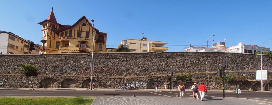 Cerro Castillo, Valparaiso