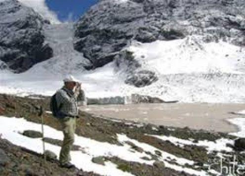AGUAS TERMALES Y GLACIARES EN SANTIAGO. Santiago, CHILE