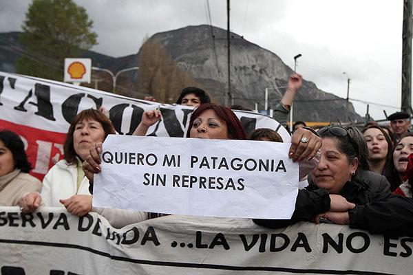 Comisión aprueba HidroAysén pero exige medidas en favor de la zona