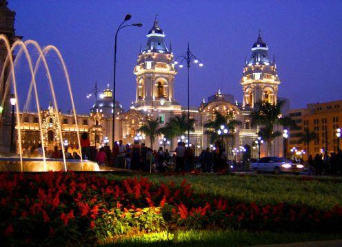 City Tour Nocturno + Excursión Circuito Mágico de las Aguas. Lima, PERU