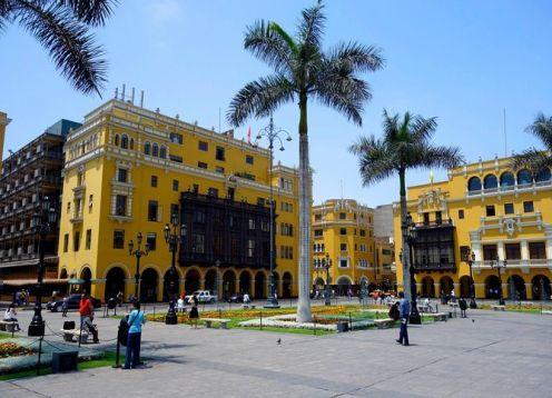 Recorrido a pie por la ciudad de Lima . Lima, PERU
