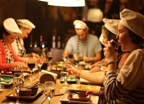 La experiencia culinaria en argentina: empanada, bistec, vino, alfajores y mate. Buenos Aires, ARGENTINA
