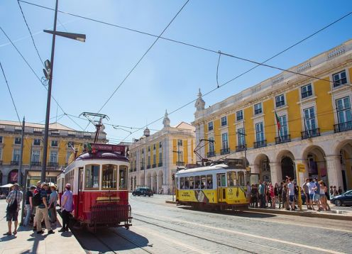 48 hours of bus with free tram stops and Yellow Boat Cruise in Lisbon. Lisbon, PORTUGAL