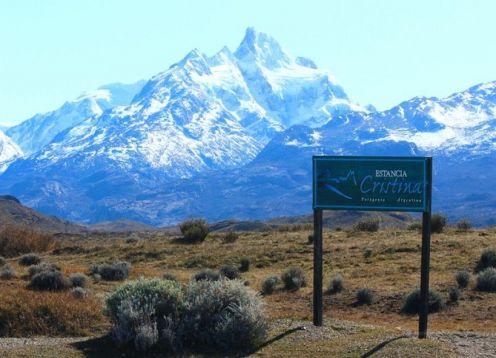 Navegación al Glaciar Upsala y Aventura Patagonia a la Estancia Cristina. El Calafate, ARGENTINA