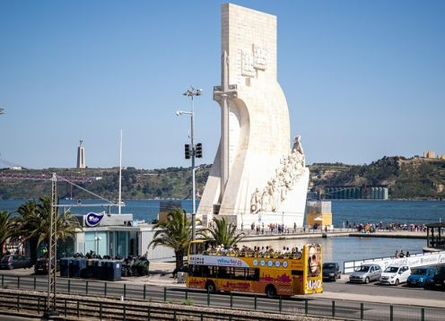 Bus tour with free stops and river cruise in Lisbon. Lisbon, PORTUGAL