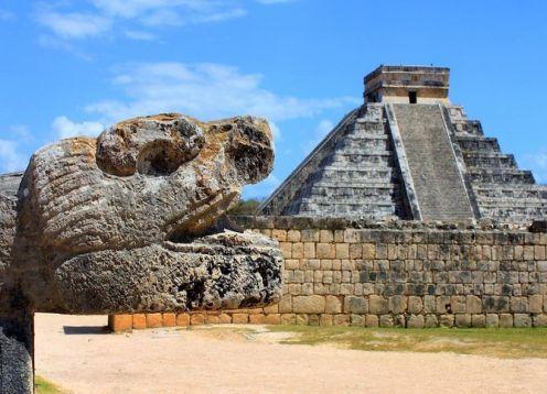 Chichén-itzá, cenote sagrado, almuerzo y Valladolid. Playa del Carmen, MEXICO
