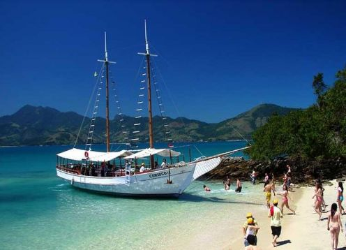 Visita a Arraial Do Cabo, com passeio de barco com almoço. B�zios, BRASIL