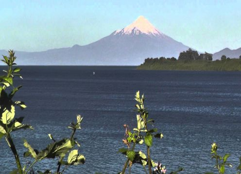 TOUR  TO THE BORDER OF LLANQUIHUE LAKE & OSORNO VOLCANO. Puerto Varas, CHILE