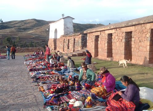 TOUR SACRED VALLEY (PISAC MARKET AND OLLANTAYTAMBO) INCLUDING LUNCH BUFFET WITHOUT INCOME. Cusco, PERU