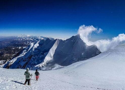 Ascenso al Nevado Illimani (El Guardián de La Paz). La Paz, BOLIVIA