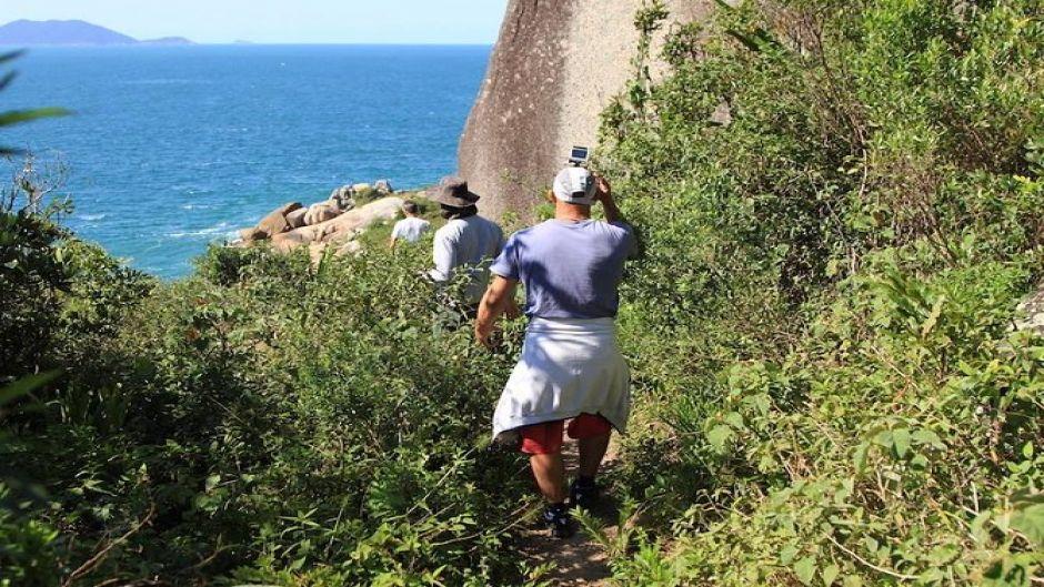 Trekking liviano para toda la familia con hermosas vistas  de Florianópolis. Florianopolis, BRASIL