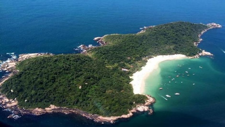Ilha do Campeche Day Tour with Navigation. Florianopolis, BRAZIL