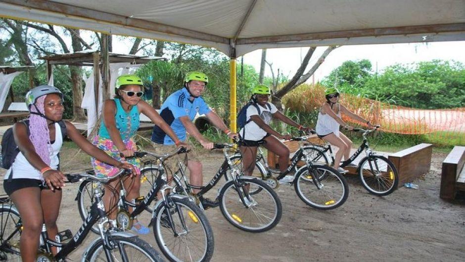 Tour en bicicleta a las playas del sur de Florianópolis. Florianopolis, BRASIL