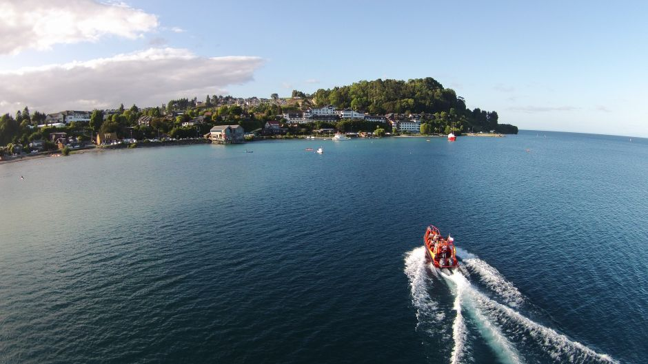 Speedboat City Tour - Puerto Varas, Chile